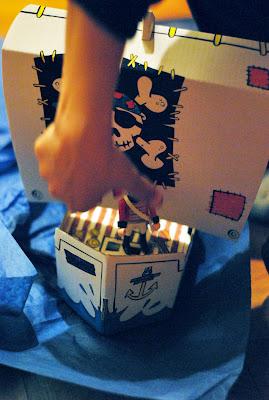 juguete_barco_cartón