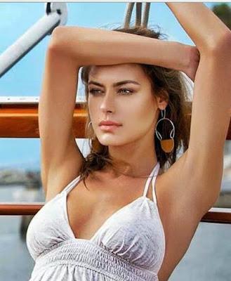biografie elena baguci model de top din romania
