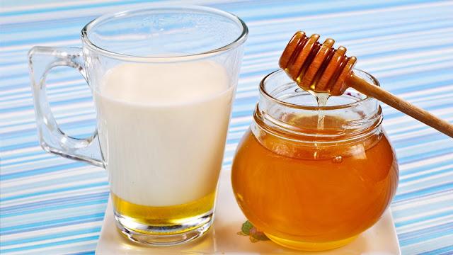 गर्म दूध और शहद दूर करे नील शुक्राणु