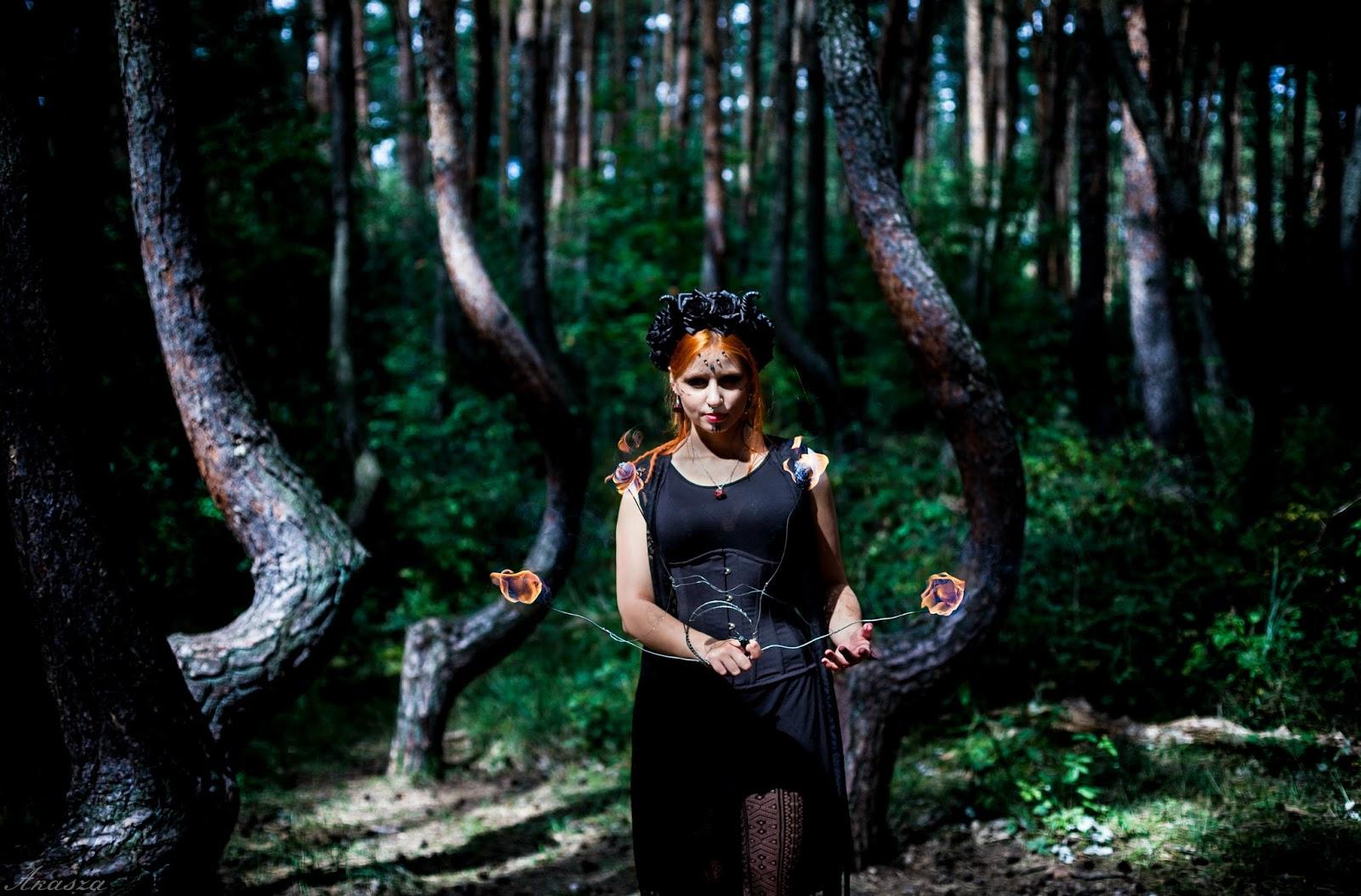 Wiedźmy w lesie, część 1 - dym, ogień i piękna biżuteria!