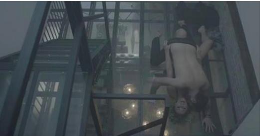 Nudité et «trip à trois» dans le dernier clip de Jonathan Roy