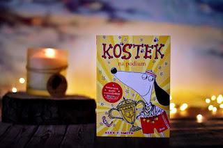 """Alex T. Smith - """"Kostek na podium"""" książki dla dzieci #37"""