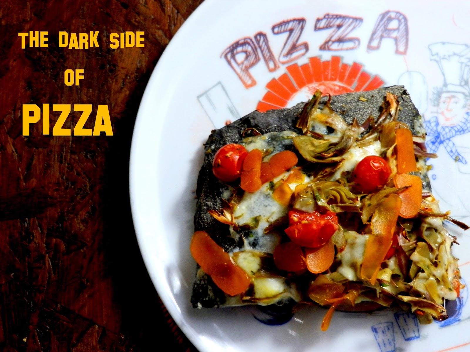Pizza al nero di seppia con asiago, carciofi e bottarga