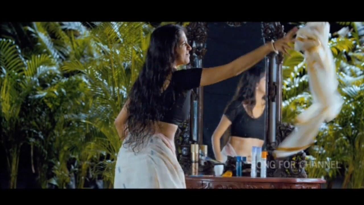 Aparna Nair Hot Navel Show