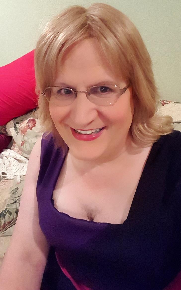 Debbies transvestite page