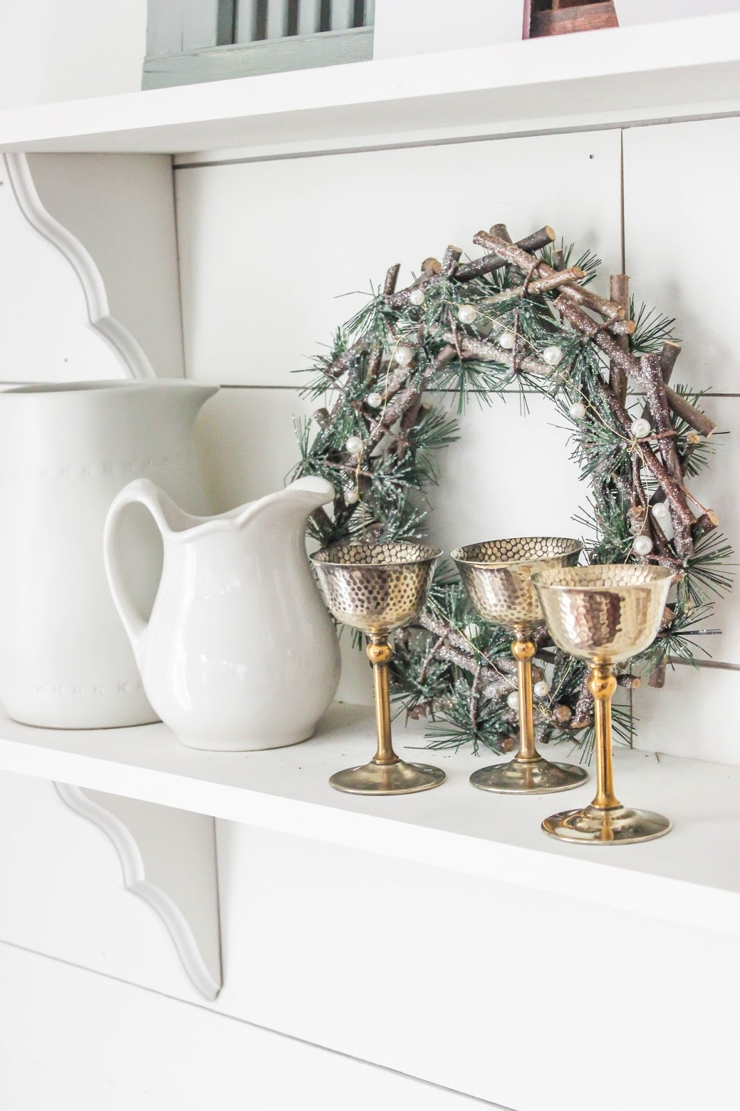 Christmas shelf decoration ideas