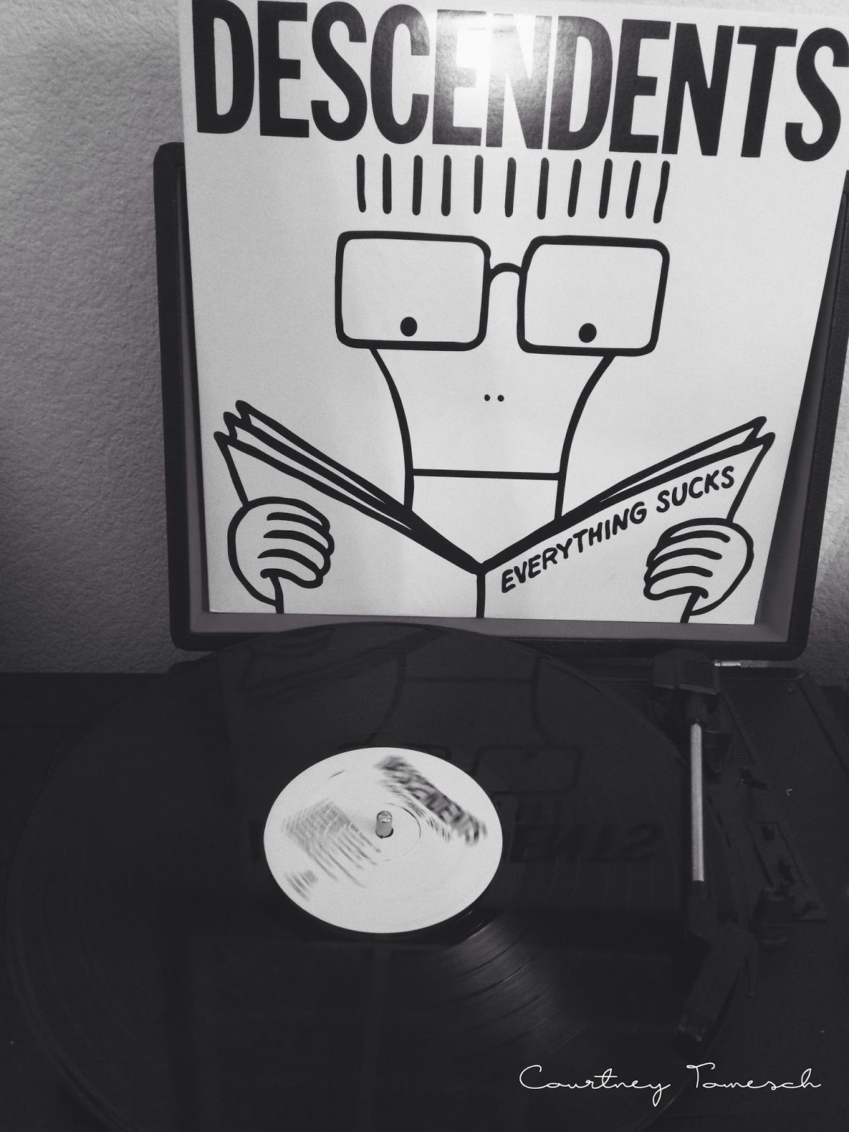 Courtney Tomesch Record Descendents