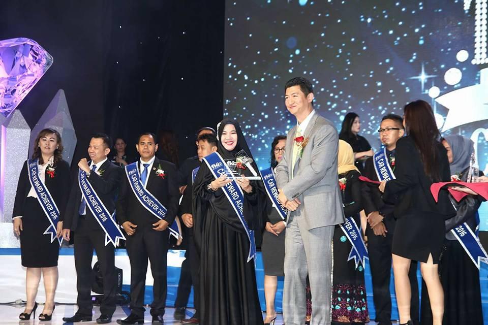 Bisnis Fkc Syariah - Reward Zahra Habibie