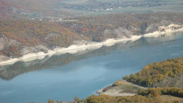 Ereván propuso a Bakú discutir el tema del agua con Stepanakert