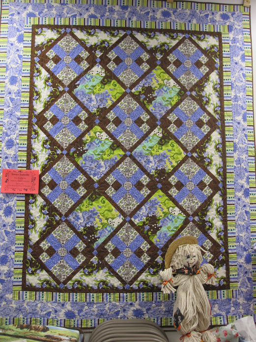 Sweet Isabella Quilt made by Paula Reid of Batts in the Attic, The Pattern by Riley Blake Designs and Lila Tueller Designs, Quilt design by Jina Barney