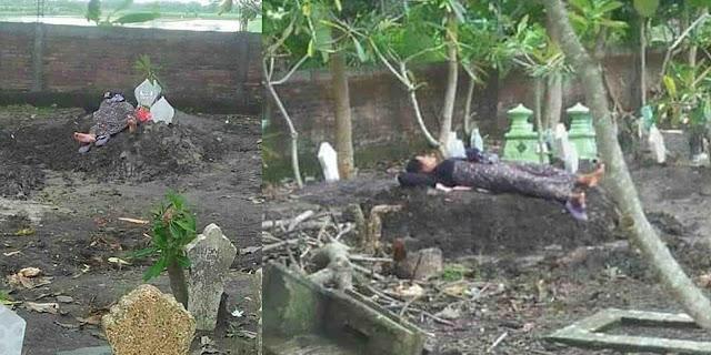 Viral, Ibu Tidur di Makam Anaknya Korban Tabrak Lari