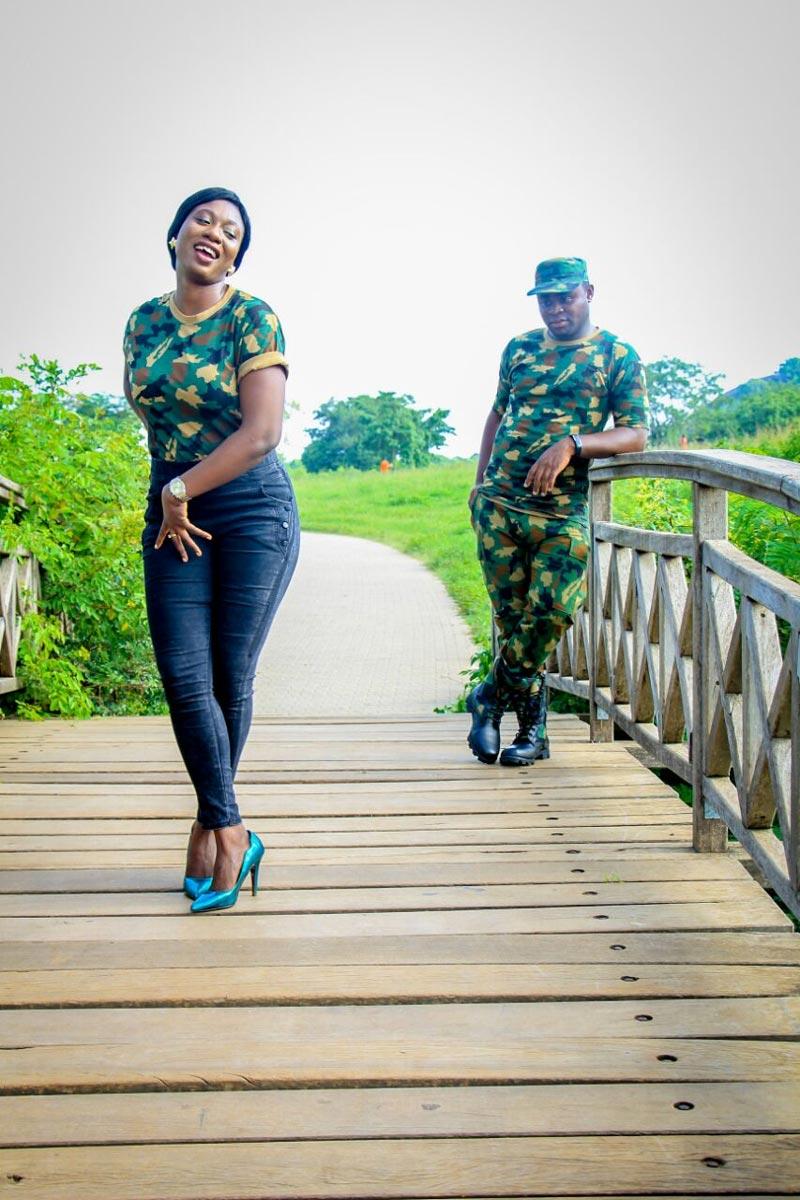 Aww! Soldier's pre-wedding photos break the Internet