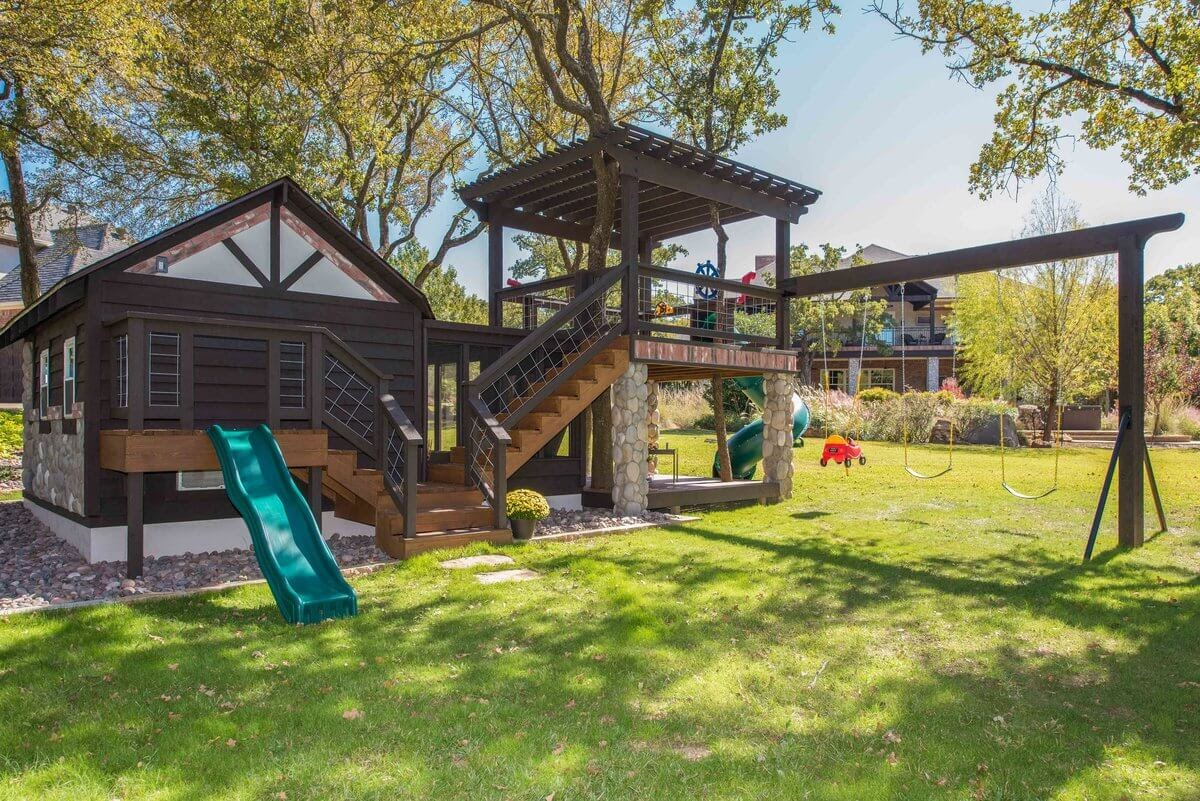 11-Swings-GDB-Architecture-Tiny-House-Playhouse-www-designstack-co