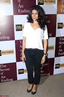 Nimrat Kaur and Naseeruddin Shah at Special Screening Of movie The Sense Of An Ending 01.JPG