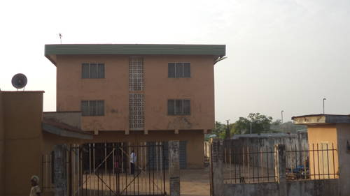 Rashidi yekini mother's house in ibadan