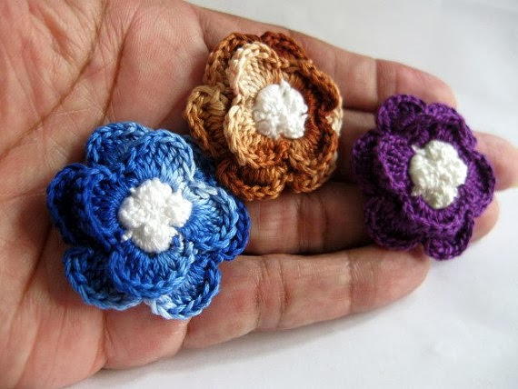 https://www.etsy.com/listing/166407241/clutch-back-flower-pins-3-handmade?ref=shop_home_active_15