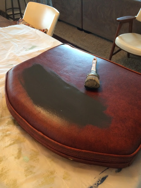 DIY, vintage chair, vinyl, 58 Water Street, painting vinyl, chalk paint
