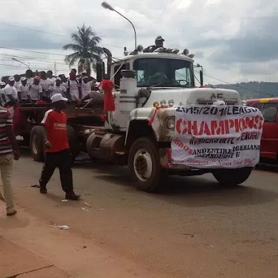 LOL! See How Enugu Rangers, The New NPFL Champions Paraded Their Trophy in a Trailer!