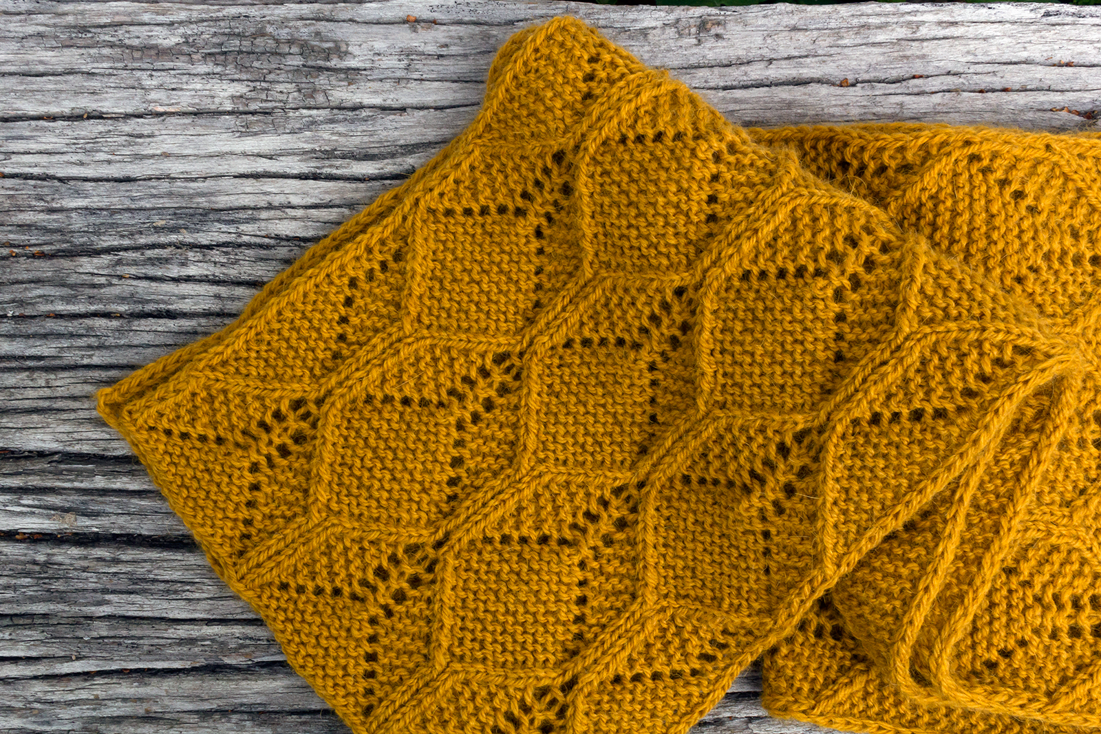 Baroque Purls New Pattern Beeswax Scarf