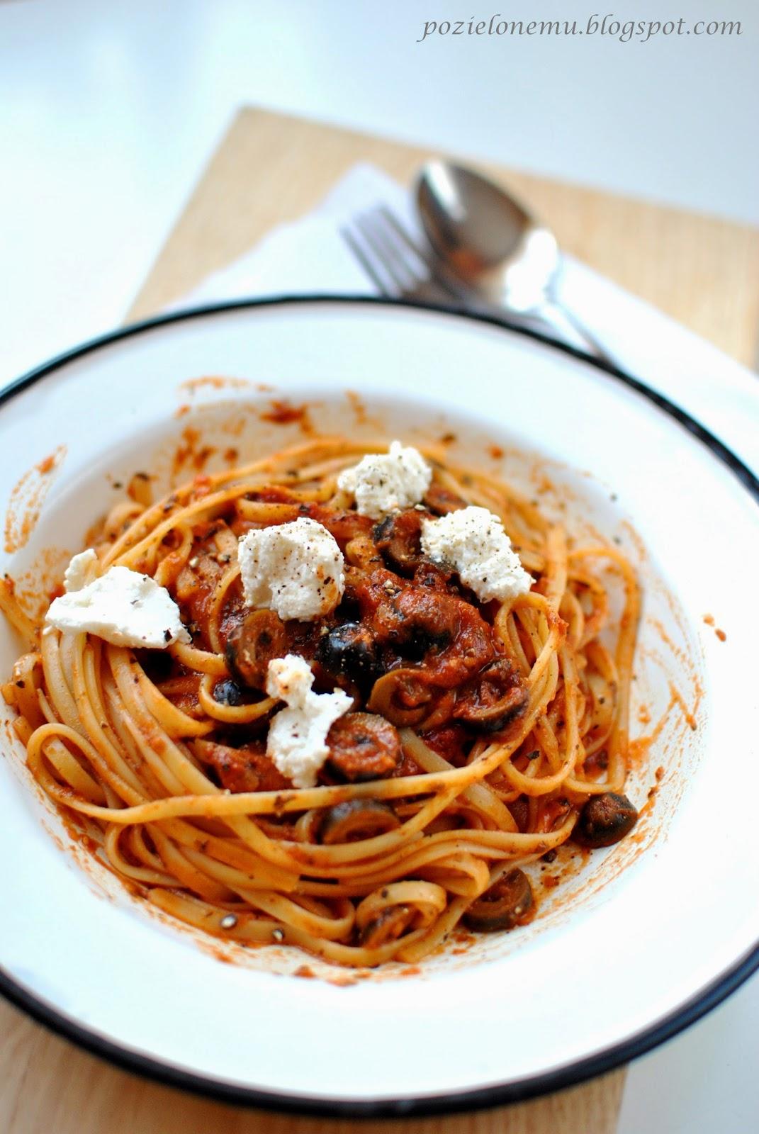 spaghetti w pomidorach
