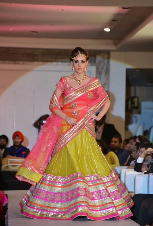 Karisma Kapoor Walks for Neerus Emporio 1st Anniversary at Hyderabad