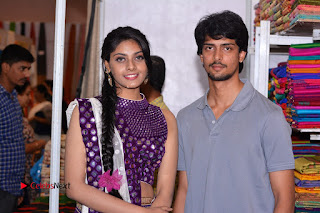 Telugu Actress Veena Inaugurates Silk India Expo  0024.jpg