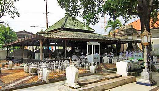 Makam Sunan Maulana Malik Ibrahim, Gresik