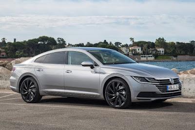Volkswagen Arteon Elegance (2018) Front Side