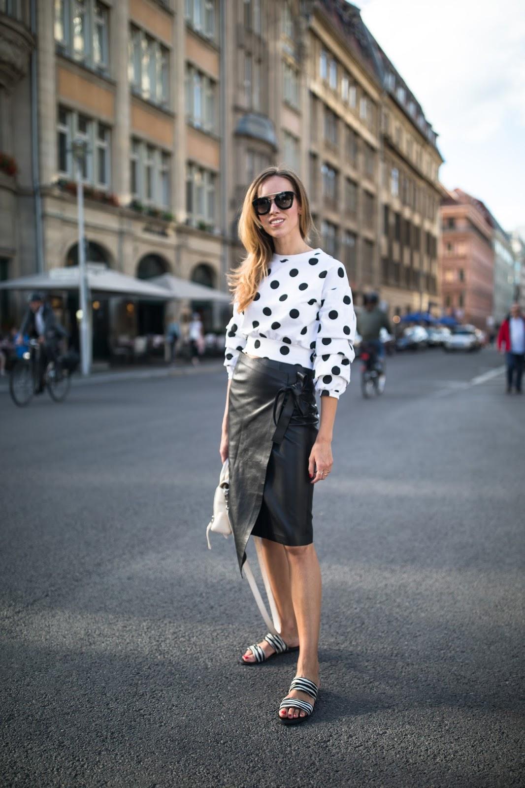 berlin fw street style ss18 leather skirt