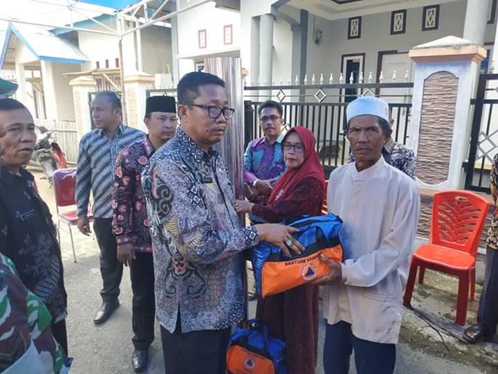 Pemkot Serahkan Bantuan Bagi Korban Bencana