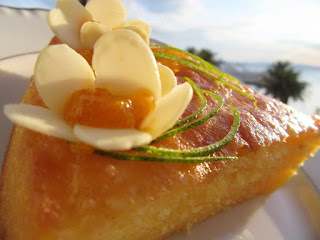 Lemon corn bread cake