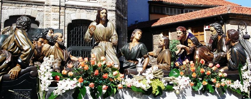 Paso de la Sagrada Cena. León. Víctor de los Ríos. Hermandad de Santa Marta y de la Sagrada Cena. Foto G. Márquez.