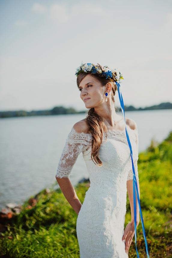Niebieskie kolczyki ślubne