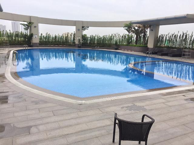 Bể bơi sang trọng tại tầng 4 của dự án