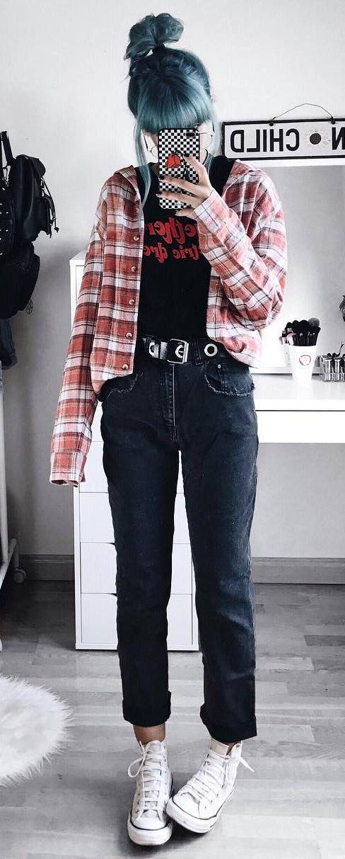 what to wear with a plaid shirt : top + jeans + converse