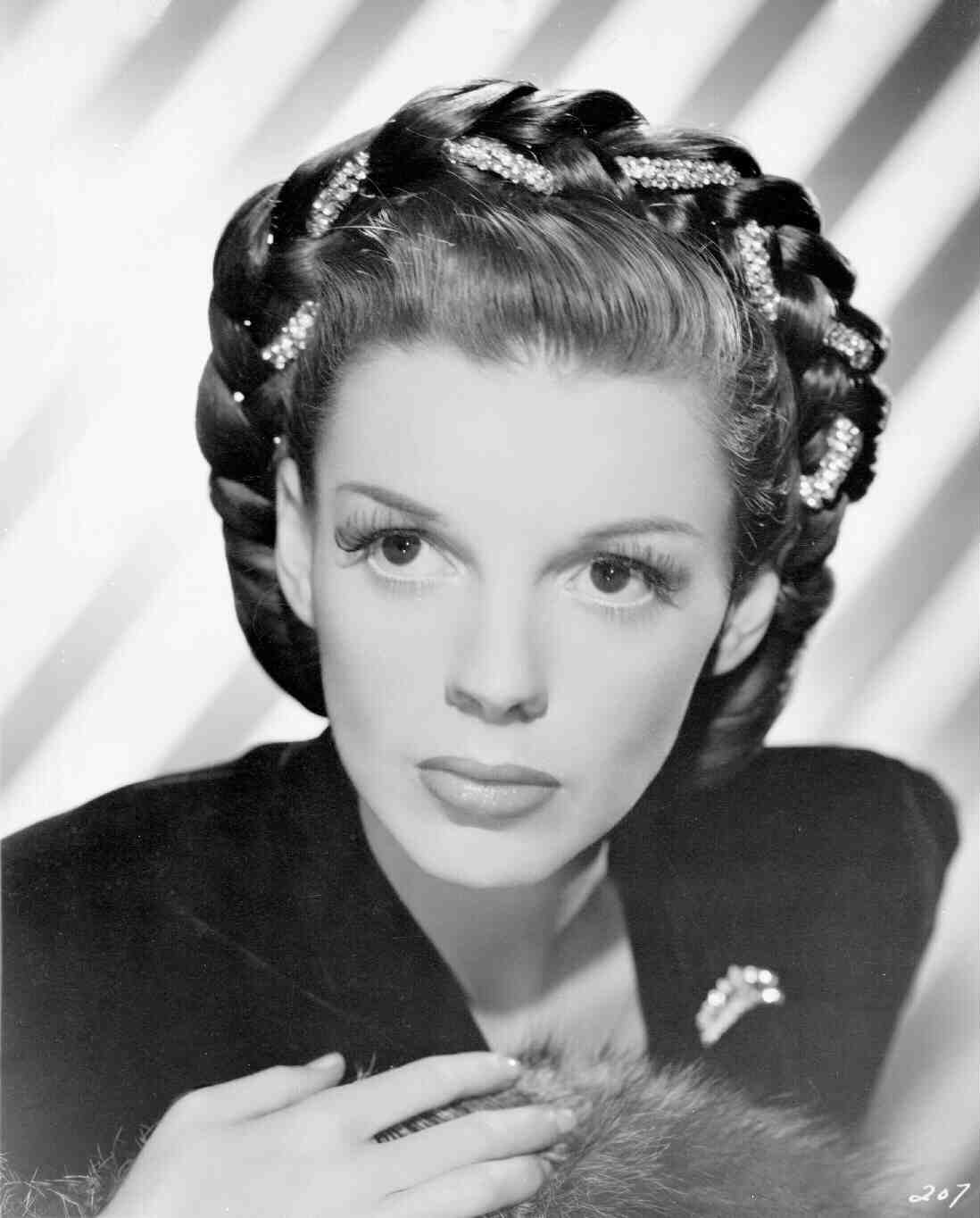 Museo LoPiù: Judy Garland - Memorial Album (1.02)