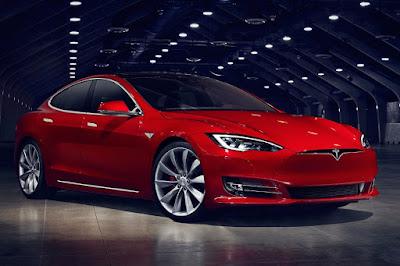 Tesla Model S (2016) Front Side