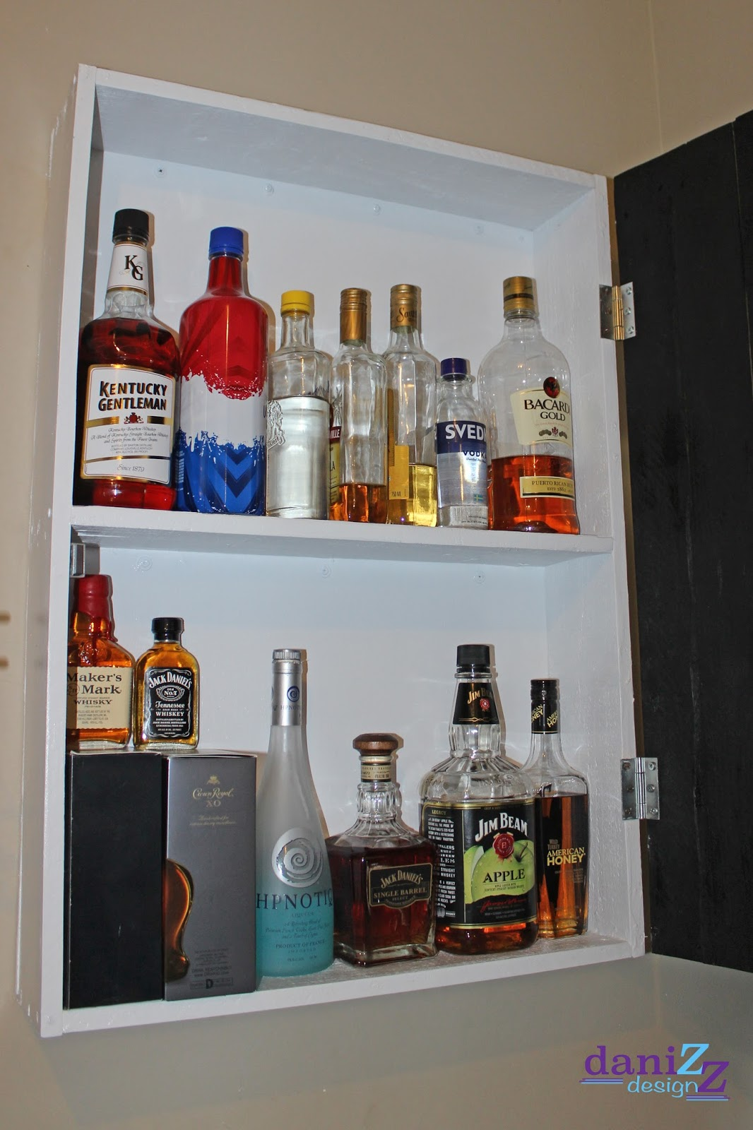 Bee-ing Mommy Blog: Hanging Liquor Cabinet