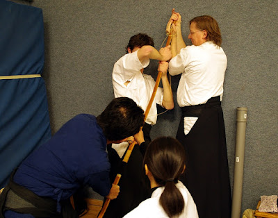 Japanese Kyudo Yumi Stringing