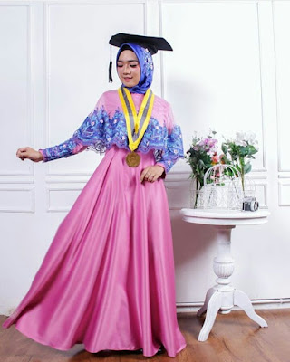 Kebaya Wisuda Muslim 2018