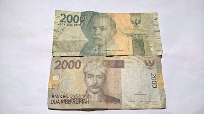 Terkecoh Uang Kertas Rupiah antara Dua Ribuan dengan Dua Puluh Ribuan