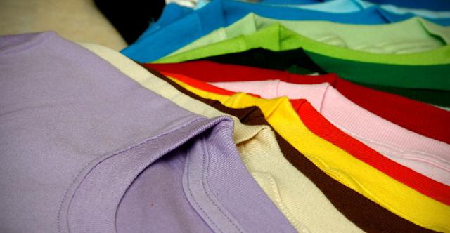 4 Hal Sepele yang Perlu Diperhatikan saat Membeli Kaos Polos