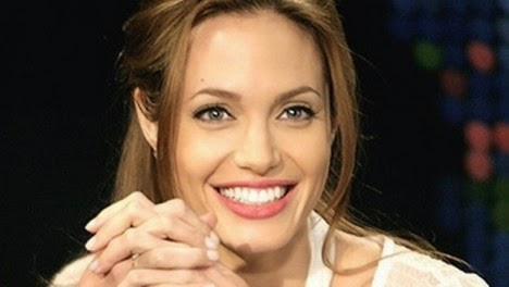 Cute Angelina Jolie Wallpaper