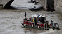 PARIS: POLICE DIVER MISSING IN SWOLLEN RIVER SEINE
