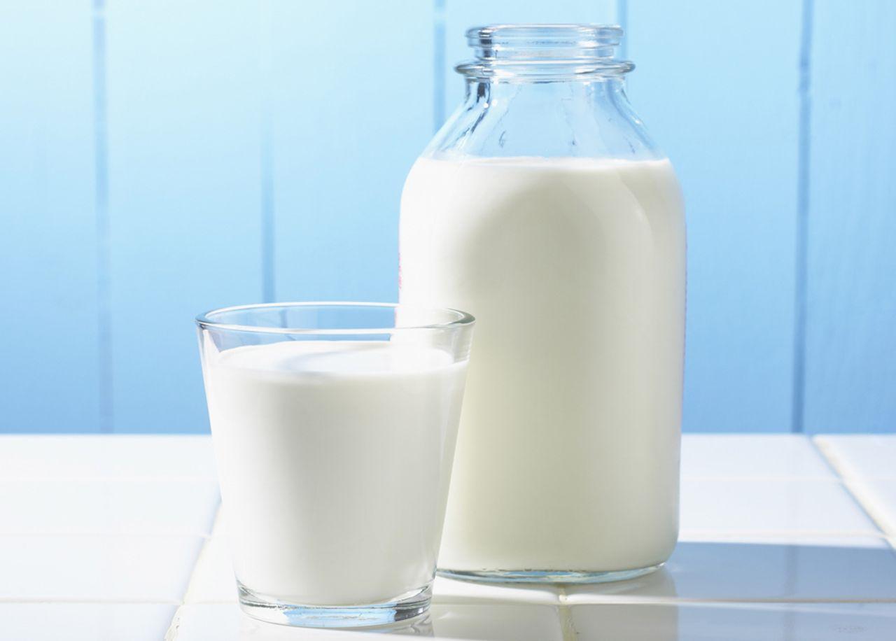 Những nhóm người không nên uống sữa