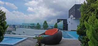 piscina en atrium