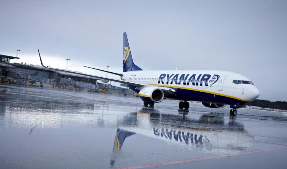 Caos all'aeroporto di Londra per tempesta di fulmini, previsti rimborsi per ritardo voli aerei