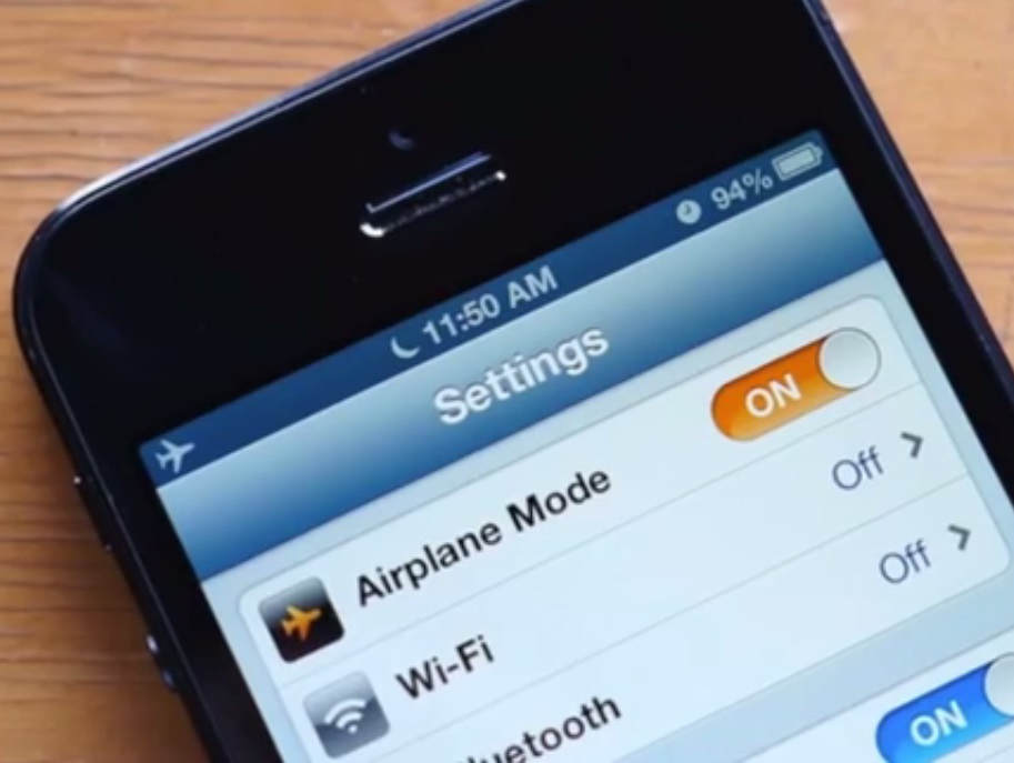 18H0450 Tips Cara mudah mengaktifkan modus airplane auto pilot mode di Android agar tidak lupa saat penerbangan biar baterai awet