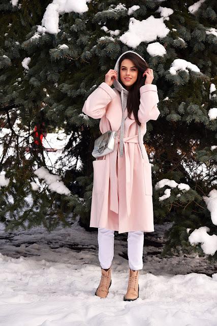 розовое пальто, пастельный образ
