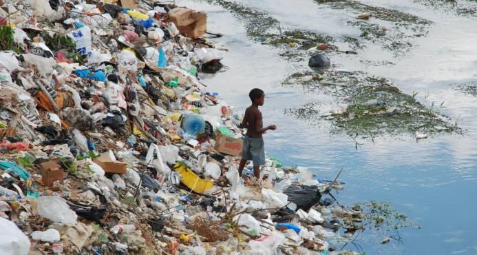 Según la FAO,América Latina es más pobre,  se alcanzó el terrible número de 42.5 millones de niños y niñas menores de 5 años con malnutrición crónica, un 8 por ciento más que en 2013.  En 2016,